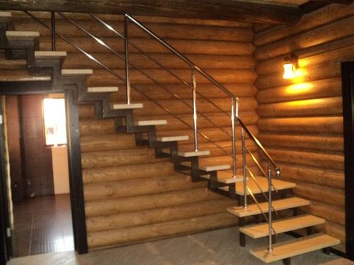 лестница на второй этаж из профильной трубы